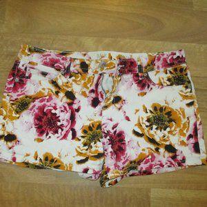 Super Cute Floral Jean Shorts a.n.a. 14/32